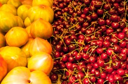 tomates y cerezas, color de Mercado. foto @anamariamarrero